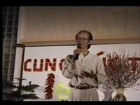 Vidéo Trịnh Công Sơn hát tại Singapore