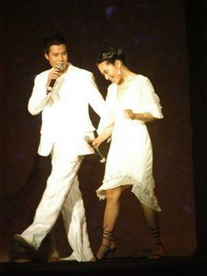 """Quang Dũng và Trần Thu Hà với ca khúc """"Nắng thủy tinh"""" - Ảnh: T.T.D."""