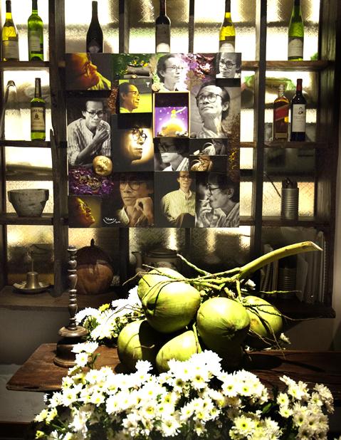 """tác giả Đoàn Khoa, triển lãm """"Bên kia chiếc cầu vòng"""", khai mạc hôm 25/11/2011 tại Café Cục Gạch, đường Phan Kế Bính, Q. 1. tp HCM."""
