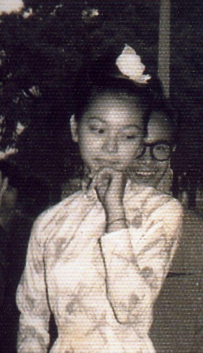 Ngô Vũ Dao Ánh (lúc 16 tuổi) và Trịnh Công Sơn thời trẻ
